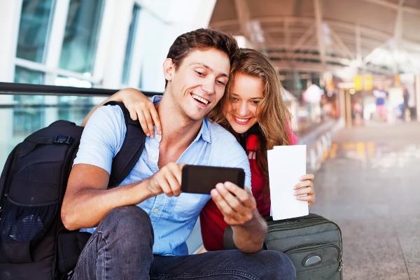 Как остаться на связи за границей и не разориться?