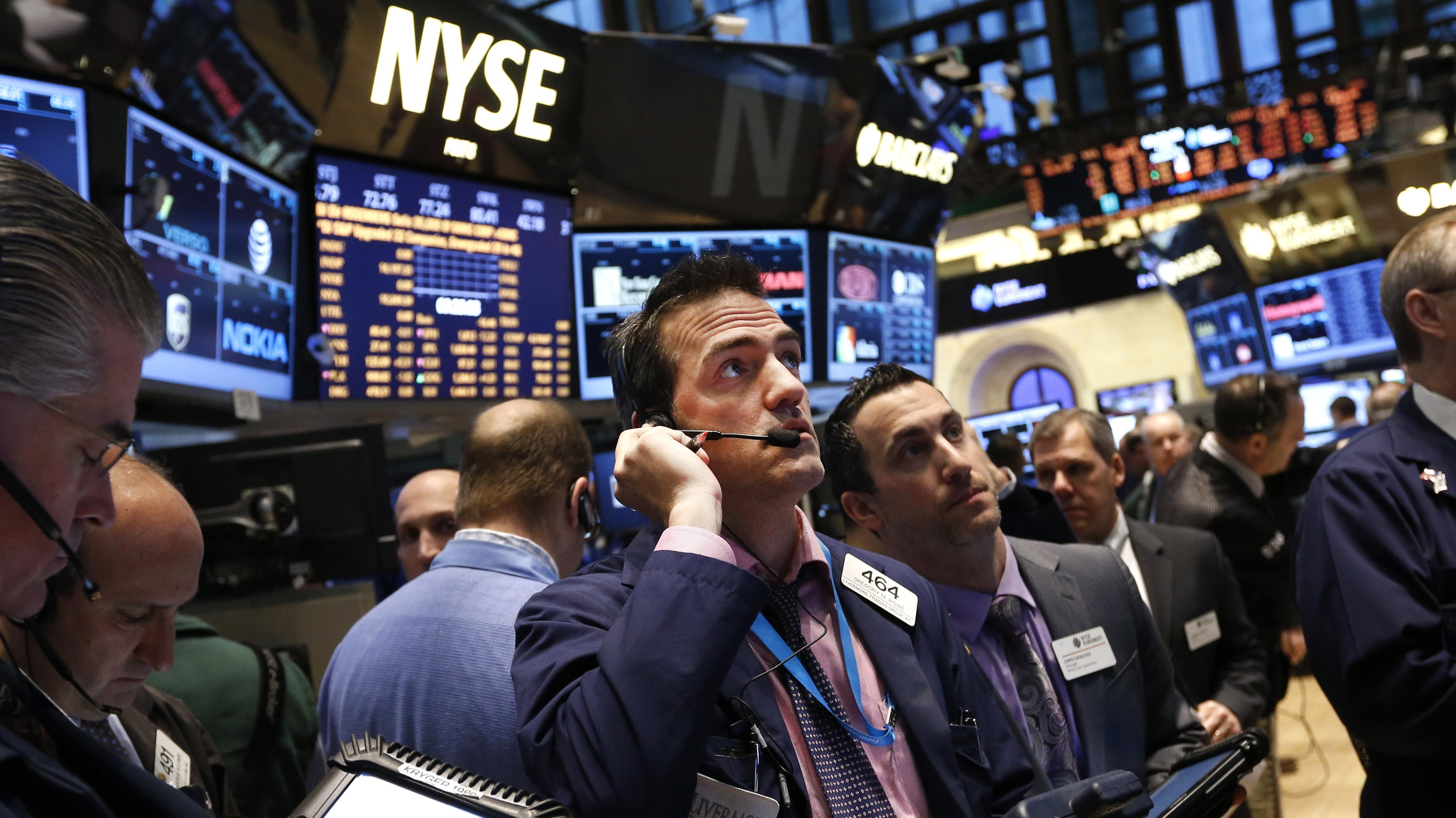 Основные индексы на Уолл-Стрит начали неделю с падения