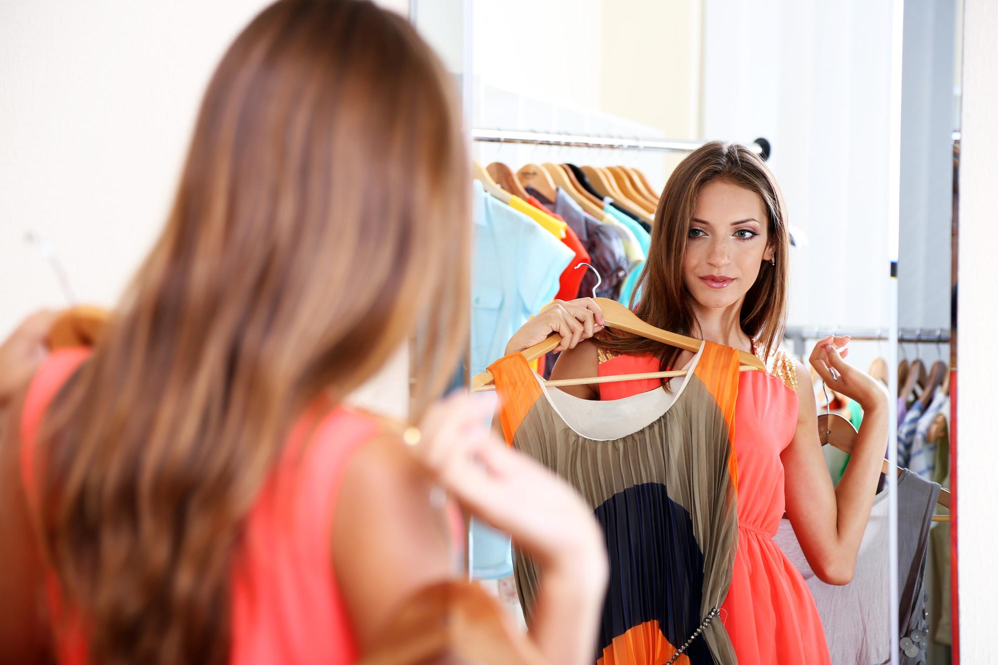 поискав интернете, картинка выбор платья взрослых