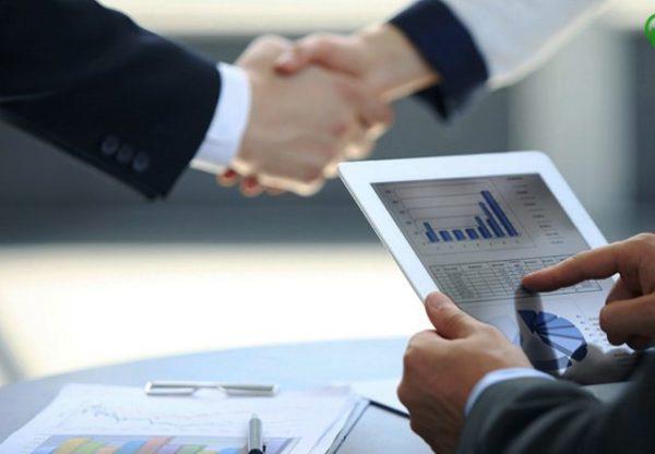 Минус данного способа инвестирования – вам нужна лицензия Федеральной службы по финансовым рынкам, чтобы иметь возможность осуществлять операции по покупке или продаже акций