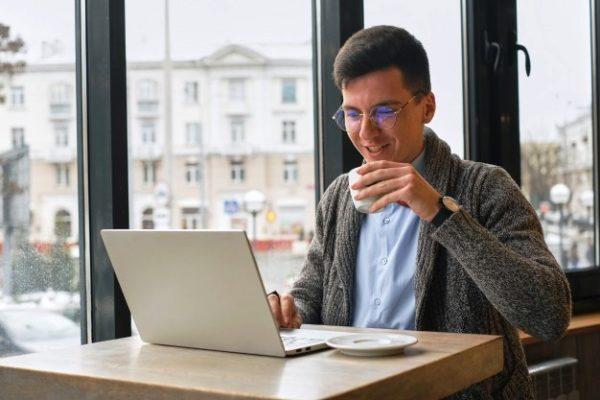 Использование труда фрилансеров позволит вам сэкономить серьезные деньги на этапе запуска бизнеса и его дальнейшей раскрутки