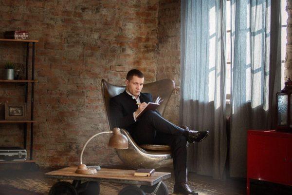 Андрей Силла – предприниматель, эксперт в области маркетинга, SMM и продвижения личного бренда. Коуч образовательных проектов на темы: «Комплексный SMM», «Личный бренд через SMM», «Глобальный маркетинг», «Копирайтинг. Как писать так, чтобы читали». Тренер по ММА и BJJ. Основатель: - Digital агенства «SILLA PROJECT» - Студии звуко-записи «LeanJe»