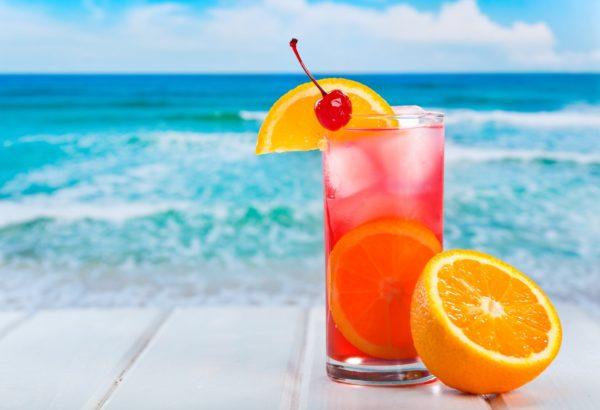 koktejl-apelsin-citrus-led-vishnya-napitok-fon-leto-more
